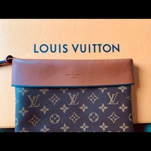 Louis Vuitton Tuileries Pochette EUC